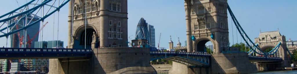TFMA Study Away Pic of London Bridge