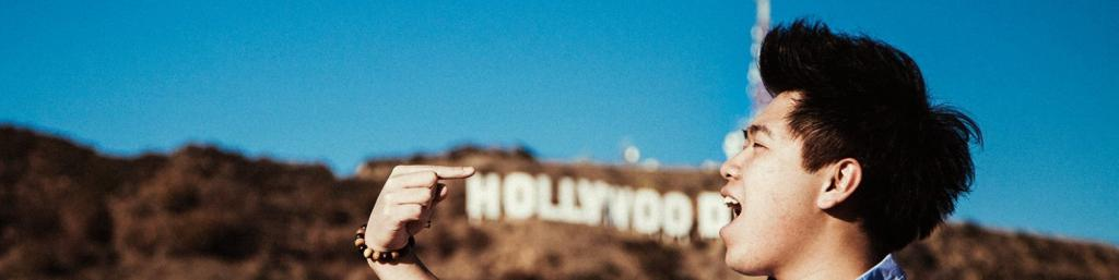 Student in front of the Hollywood Sign while Studying Away in LA