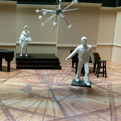 Set model with figurines